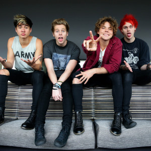 5 Seconds Of Summer - She's Kinda Hot Ringtone